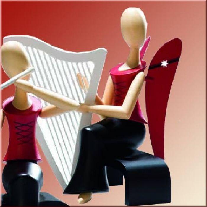 Design-Engel sitzend mit Harfe