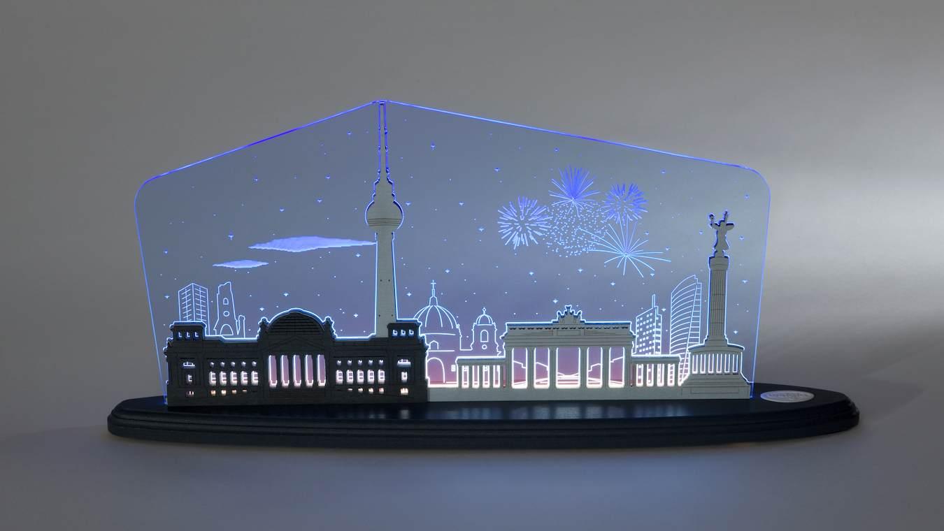 LED Motivleuchte Berlin bei Nacht